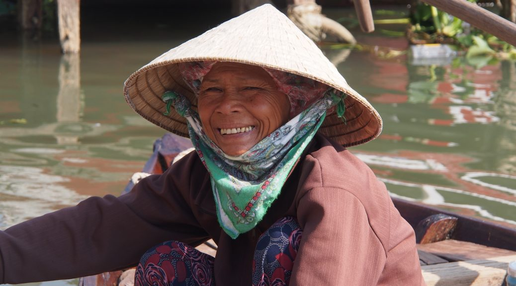 Vietnamese woman conical hat